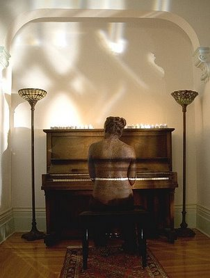 Piano Player Illusion