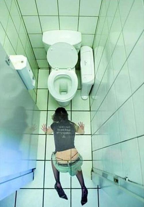 porno-v-tualete-s-dirkoy