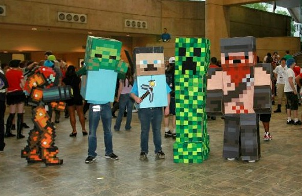 samus with minecraft cosplay