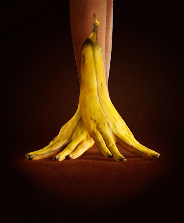 mo-ray-massey-banana-hands