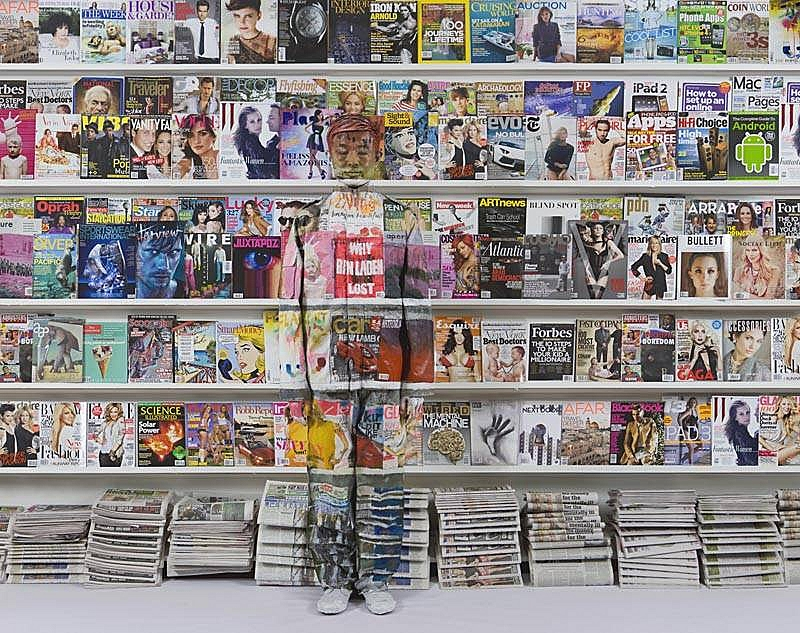 liu_bolin_hiding_in_new_york_no.3_magazine_rack_2011_xl