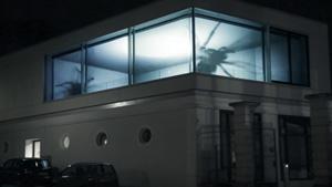 VIDEO: Spider Tank Building Illusion