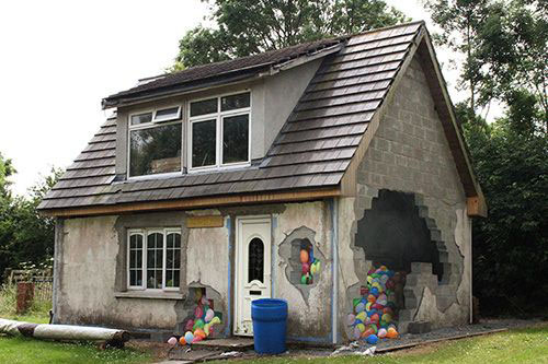 House Optical Illusion