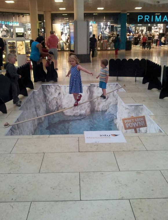 Dont Look Down Optical Illusion