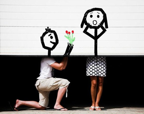 How to Give Flowers to a Girl Optical Illusion