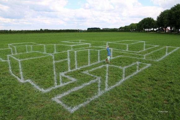 3D Maze Optical Illusion