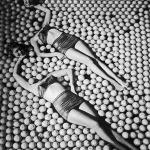 Vintage Pin Up Girls Optical Illusion