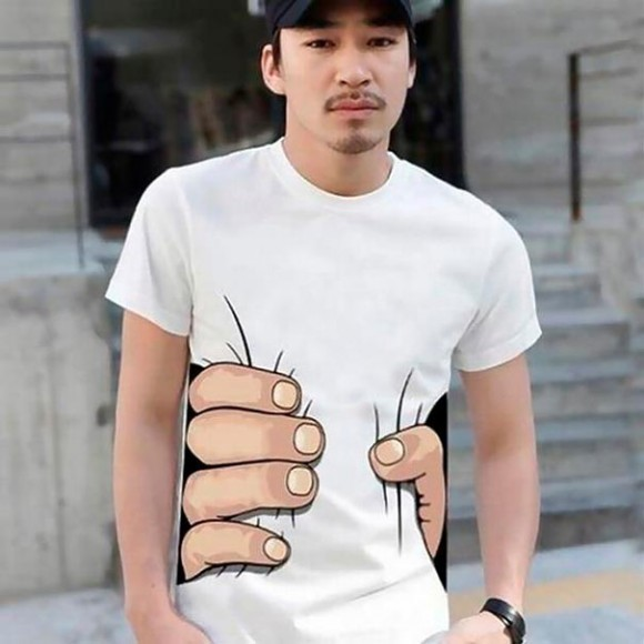 giant hand optical illusion