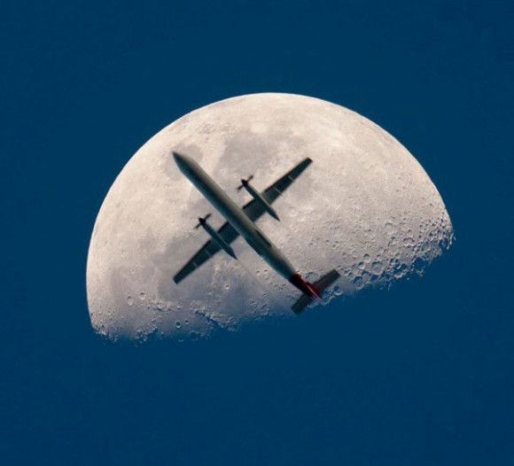 airplane-passing-the-moon