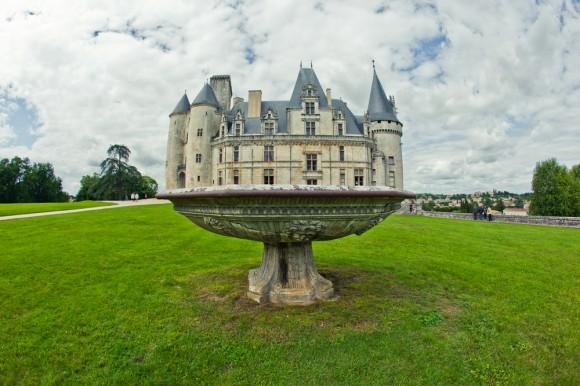 castle in birdbath