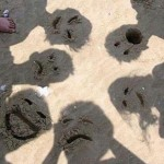funky sand faces illusion