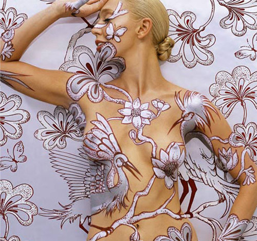 Emma Hack Brings Body Art To a New Level