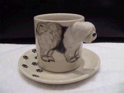 Cups Illusion