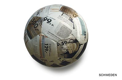 32 Qualified Soccer Balls