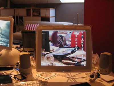 Transparent Desktops Illusion no.2