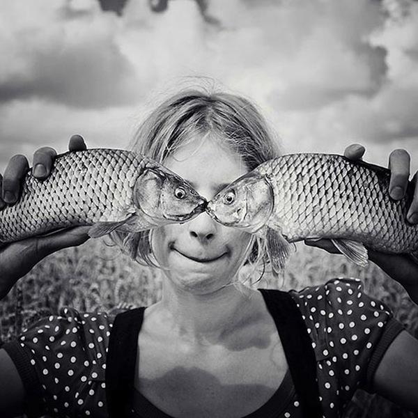 Fish Eyes Optical Illusion