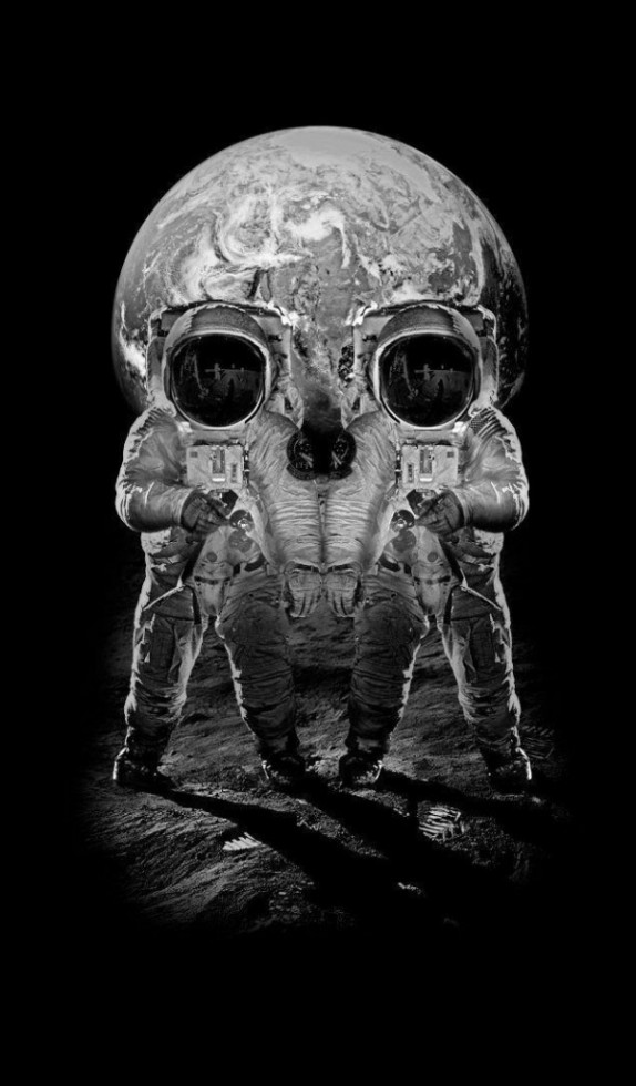 Astronaut Skull Optical Illusion