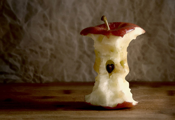 Hidden Apple Children Optical Illusion