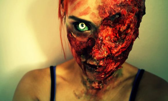 Rotting-Halloween Makeup Illusion